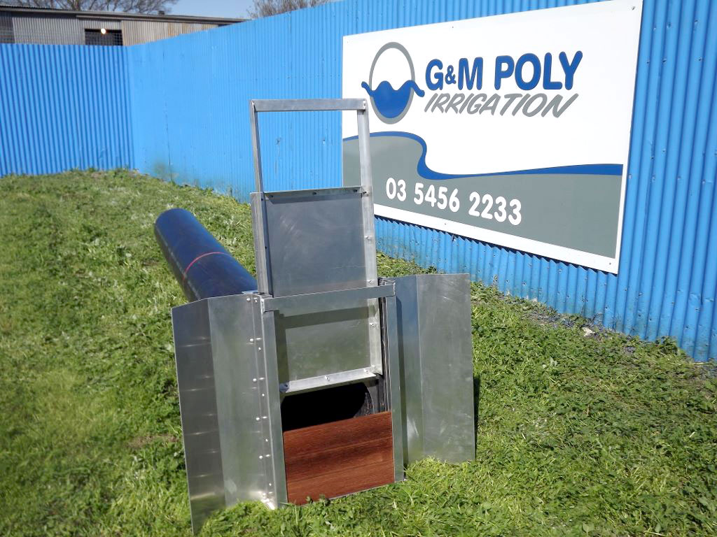 Irrigation bay outlet rice doors - G&M Poly Irrigation
