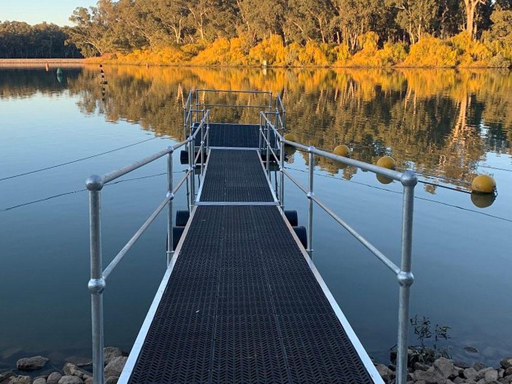 Pontoon floating platform - G&M Poly Irrigation